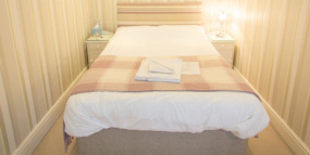 Banner-Rooms-5